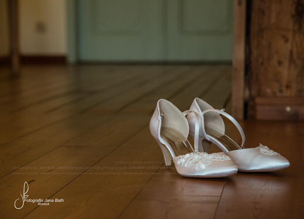 Die Brautschuhe müssen heute auf dem Zimmer bleiben ... Foto Jana Bath 2017