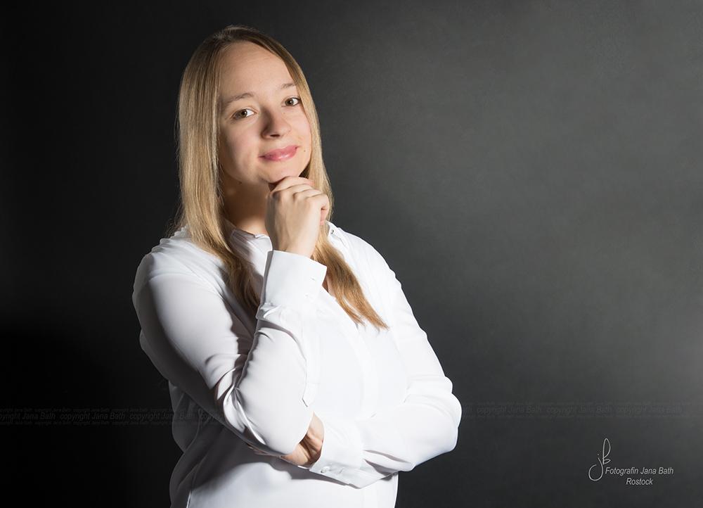 weibliches Business Portrait andere Ansicht - Foto Jana Bath Rostock