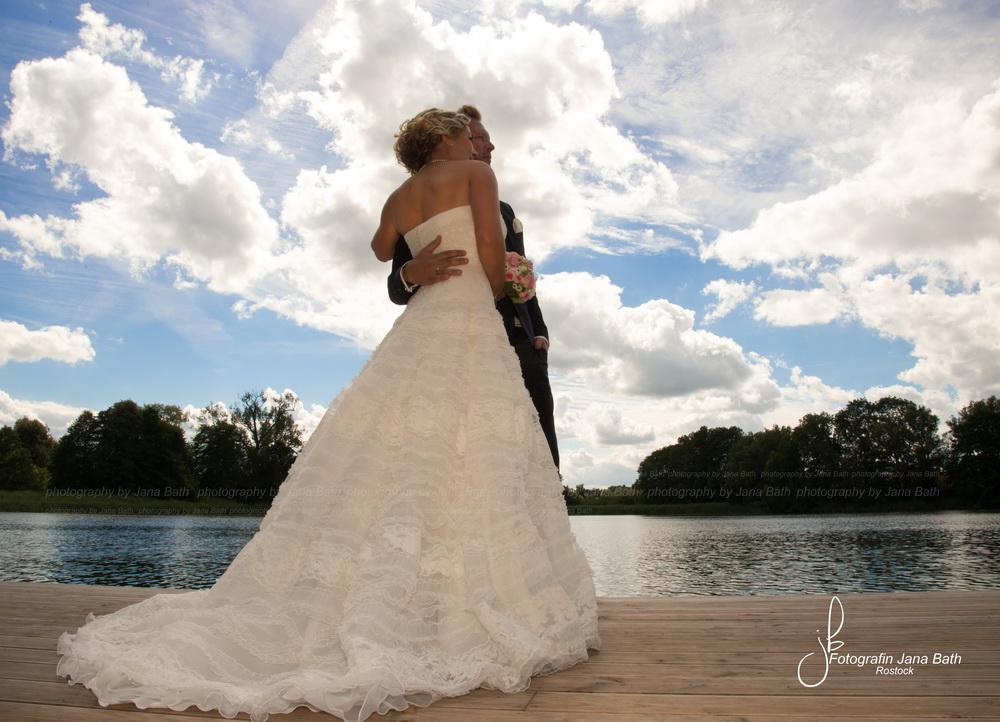 Traumhafte Kulisse, Hochzeit unterm Wolkenhimmel, Jana Bath 2016