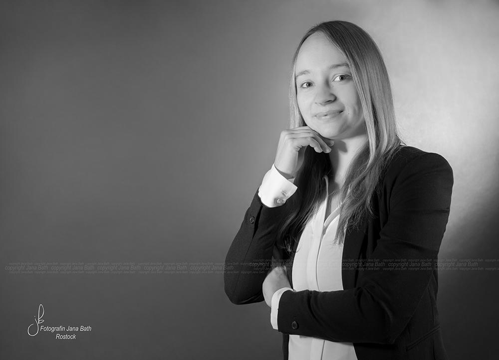 Business Portrait aus einer Serie in s/w - Foto Jana Bath