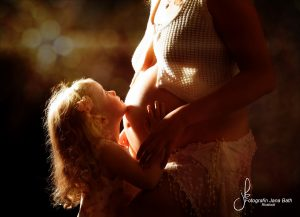 babybauch-outdoor-schwangerschaft-babymurmel-babybauchfotos-janabath-rostock_20