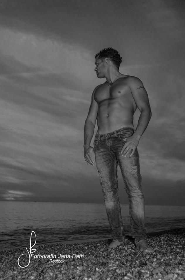 sport-bodybuildingfotografie-fitnessfotos-sunset-turkey-janabath-rostock_01sw