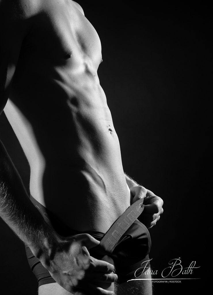 Teilakt, männlich, Erotikfotos Jana Bath