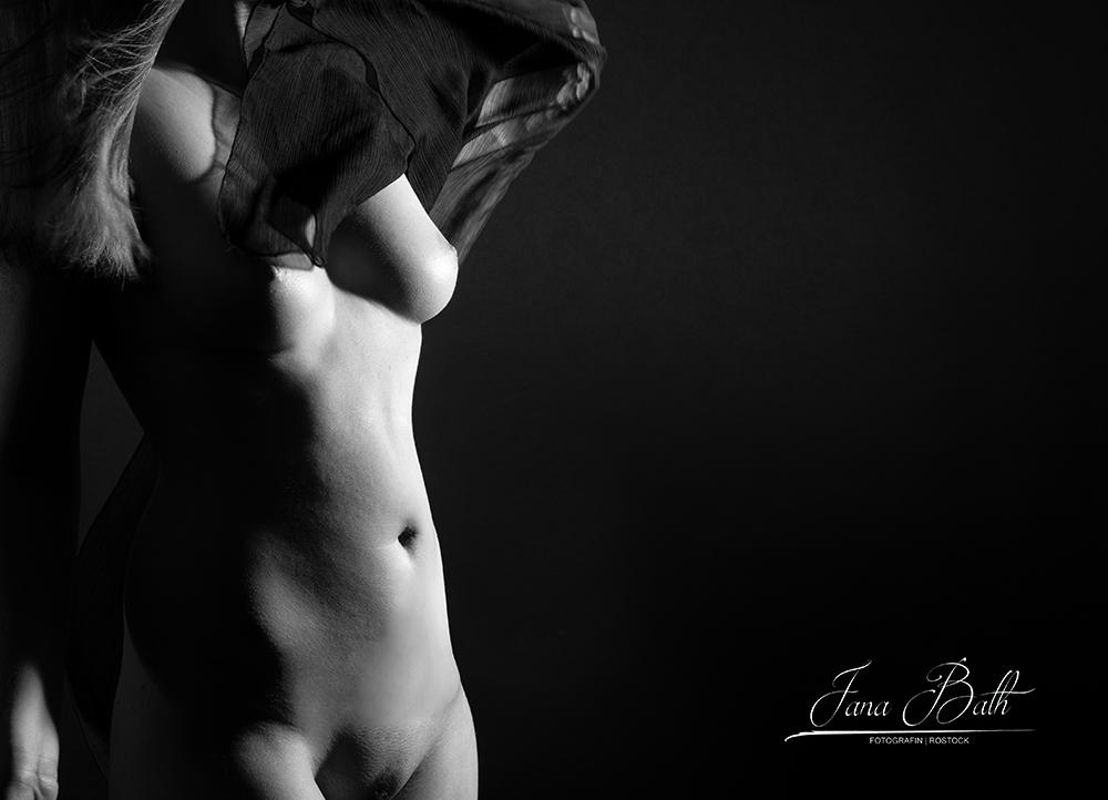 Aktporträt, Erotikfoto, Jana Bath 2020