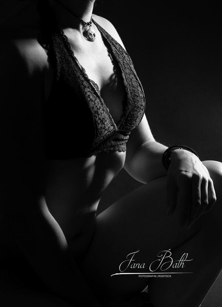 Bodypart, Erotikfoto, Jana Bath 2020